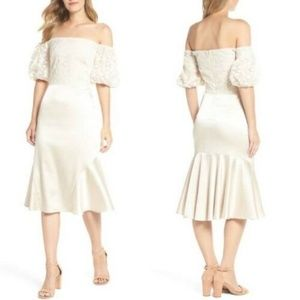 GAL MEETS GLAM Cream Adele Off the Shoulder Dress